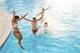 ¿Qué tan necesario es saber nadar para socializar?